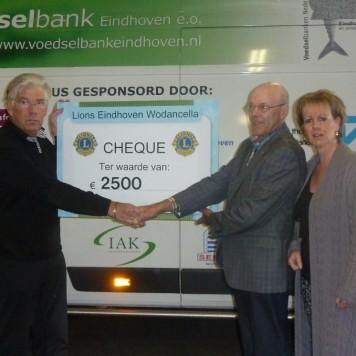 Aanbieding cheque Voedselbank Eindhoven